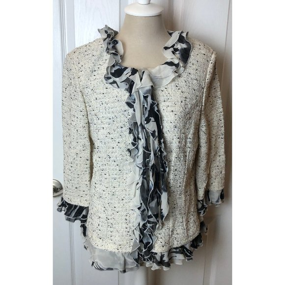 **SOLD**St.John Cream & Black Speckled Knit Jacket